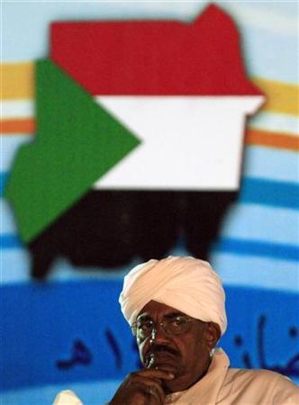 President Omar Hassan al-Bashir attends an annual Ramadan break fast event organised by Sudan's Copts for Muslims in Khartoum July 30, 2012. REUTERS/Mohamed Nureldin Abdallah