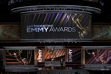 Host Jimmy Kimmel opens the show at the 64th Primetime Emmy Awards in Los Angeles, September 23, 2012. REUTERS/Lucy Nicholson