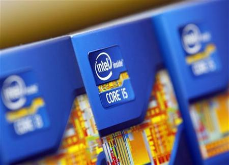 Intel processors are displayed at a store in Seoul June 21, 2012. REUTERS/Choi Dae-woong/Files