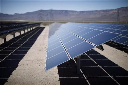 Solar panels are pictured in the Nevada Desert as U.S. President Barack Obama visited the Copper Mountain Solar Project in Boulder City, Nevada March 21, 2012. REUTERS/Jason Reed