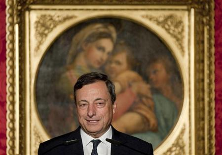 The European Central Bank (ECB) President Mario Draghi speaks during a ceremony after receiving the M100 media award in Potsdam, September 6, 2012. REUTERS/Klaus-Dietmar Gabbert/Pool