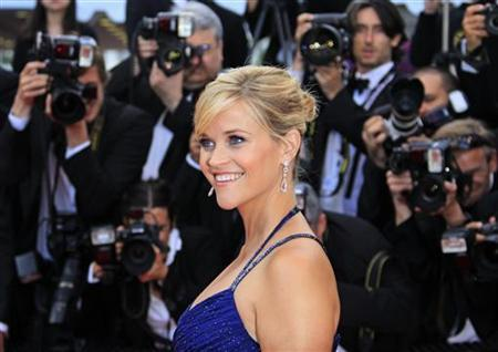 Cast member Reese Witherspoon arrives on the red carpet for the screening of the film ''Mud'', in competition at the 65th Cannes Film Festival, May 26, 2012. REUTERS/Yves Herman