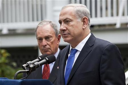 Israel's Prime Minister Benjamin Netanyahu (R) speaks with New York Mayor Michael Bloomberg at a news conference after a private meeting at Gracie Mansion in New York, September 27, 2012. REUTERS/Andrew Burton