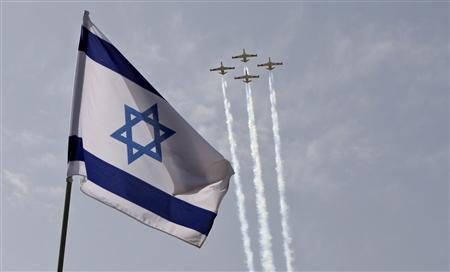 Israeli air force jets fly in formation during a rehearsal for Israel's Independence Day over the president's residence in Jerusalem in this April 16, 2010 file photo. Azerbaijan, the oil-rich ex-Soviet republic on Iran's far northern border, has, say local sources with knowledge of its military policy, explored with Israel how Azeri air bases and spy drones might help Israeli jets pull off a long-range attack. REUTERS/Baz Ratner/Files