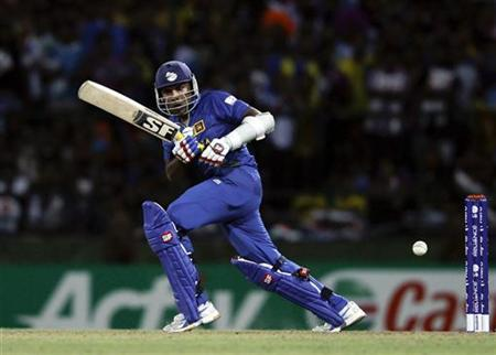 Sri Lanka's captain Mahela Jayawardene plays a shot during their Twenty20 World Cup Super 8 cricket match against West Indies in Pallekele September 29, 2012. REUTERS/Dinuka Liyanawatte