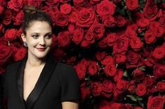 Drew Barrymore deu à luz a sua primeira filha com o marido Will Kopelman. 15/11/2011. REUTERS/Kena Betancur