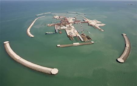 A general view of an artificial island on Kashagan offshore oil field in the Caspian sea, western Kazakhstan August 11, 2009. REUTERS/Shamil Zhumatov
