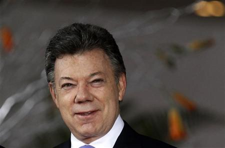 Colombian President Juan Manuel Santos arrives at the inauguration ceremony of the Latin American and Arab heads of states summit in Lima, October 2, 2012. REUTERS/Mariana Bazo