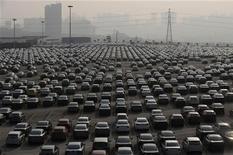 <p>Les ventes automobiles ont progressé plus qu'attendu en septembre aux Etats-Unis, certains consommateurs ayant profité de conditions de crédit avantageuses. /Photo d'archives/REUTERS</p>