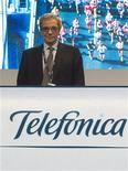 Cesar Alierta, chairman of Spanish telecoms giant Telefonica, stands before the start of the company's annual shareholders meeting in Madrid May 18, 2011. REUTERS/Sergio Perez