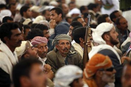 Tribesmen, loyal to the al-Houthi Shi'ite rebel group, attend the concluding session of a two-day tribal gathering in the northwestern Yemeni province of Saada, on the border with Saudi Arabia July 12, 2012. REUTERS/Khaled Abdullah/Files