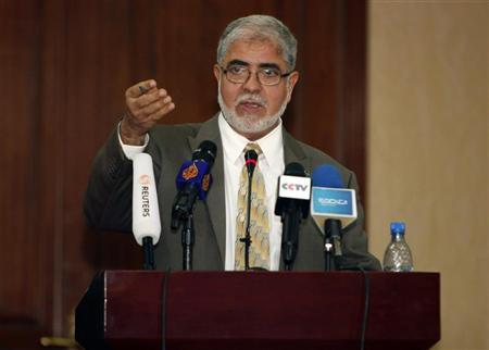 Mustafa Abushagur speaks at a news conference in Tripoli December 4, 2011. REUTERS/Ismail Zitouny