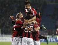 Jogadores do AC Milan comemoram gol marcado durante partida contra p Zenit São Petersburgo durante partida pela Liga dos Campeões em São Petersburgo, na Rússia. O Milan marcou dois gols em jogadas desviadas e derrotou o Zenit por 3 x 2 em uma partida movimentada nesta quarta-feira. 03/10/2012