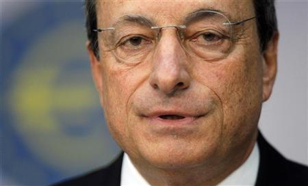 The European Central Bank (ECB) President Mario Draghi speaks during the monthly news conference in Frankfurt September 6, 2012. Draghi announced that the ECB will leave the interest rates unchanged. REUTERS/Alex Domanski