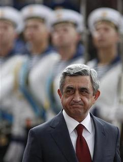 Armenia's President Serzh Sarksyan inspects the guard of honour during a welcome ceremony in the Ukrainian capital Kiev July 1, 2011. REUTERS/Gleb Garanich