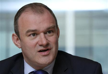Britain's Secretary of State for Energy and Climate Change, Edward Davey, speaks during the Reuters Global Energy and Environment Summit in London May 14, 2012. REUTERS/Benjamin Beavan