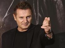 """O ator Liam Neeson posa antes de coletiva de imprensa para promover seu filme """"Busca Implacável 2"""", em Seul, em setembro. 17/09/2012 REUTERS/Kim Hong-Ji"""