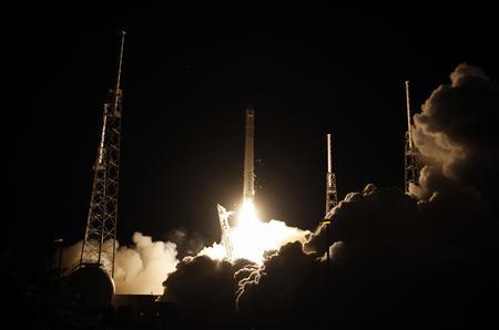 SpaceX rocket glitch puts satellite in wrong orbit