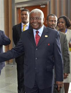 Mozambique's President Armando Guebuza arrives at the leaders meeting at the African Union (AU) in Ethiopia's capital Addis Ababa, July 16, 2012. REUTERS/Tiksa Negeri