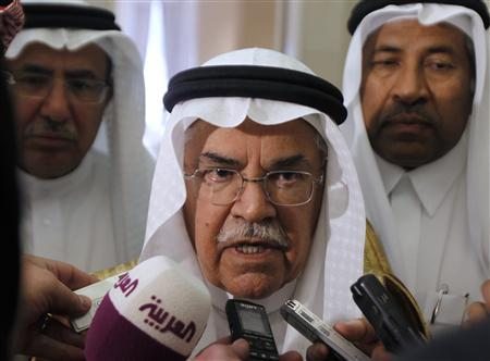 Saudi Oil Minister Ali al-Naimi speaks to media on his arrives for the Gulf Cooperation Council (GCC) Oil Ministers' meeting in Riyadh October 9, 2012. REUTERS/Fahad Shadeed