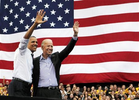 U.S. President Barack Obama and U.S. Vice President Joseph Biden attend a campaign event at the University of Iowa's Jessup Hall Lawn in Iowa City, Iowa, September 7, 2012. REUTERS/Larry Downing