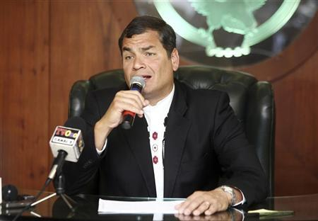 Ecuadorean President Rafael Correa addresses the media during a news conference in Quito October 3, 2012. Correa spoke of topics discussed at the Third Summit of Arab and South American countries (ASPA) in Peru. REUTERS/Gary Granja