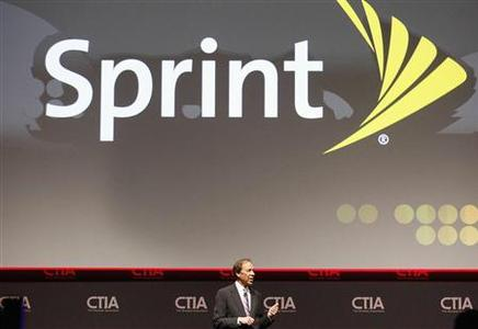 Dan Hesse, CEO of the Sprint Nextel Corporation addresses attendees during the International CTIA WIRELESS Conference & Exposition in New Orleans, Louisiana in this May 8, 2012 file photo. REUTERS/Sean Gardner/Files