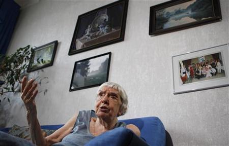 Lyudmila Alexeyeva, the head of the Moscow Helsinki Group, speaks to a Reuters journalist during an interview in Moscow June 26, 2012. REUTERS/Maxim Shemetov/Files