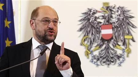 European Parliament President Martin Schulz addresses a news conference in the chancellery in Vienna October 11, 2012. REUTERS/Heinz-Peter Bader