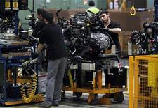 <p>La production industrielle a augmenté de 0,6% en août dans la zone euro, grâce notamment à une hausse de près de 4% de la fabrication de biens durables tels que les voitures et les téléviseurs, alors que les économistes interrogés par Reuters avaient anticipé un repli de 0,4%. /Photo d'archives/REUTERS/Albert</p>