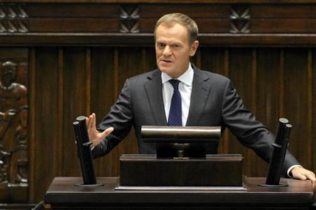 Poland's Prime Minister Donald Tusk delivers a speech at the Polish Parliament In Warsaw October 12, 2012. REUTERS/Slawomir Kaminski/Agancja Gazeta