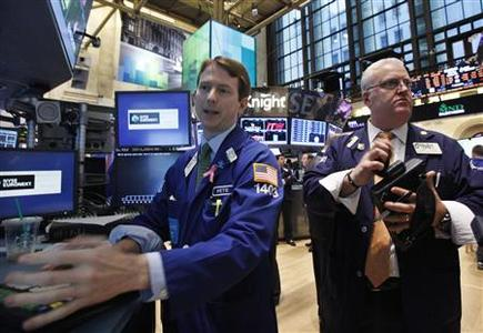 Traders work on the floor of the New York Stock Exchange, October 1, 2012. REUTERS/Brendan McDermid