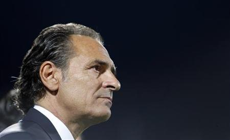 Italy's coach Cesare Prandelli looks on before their 2014 World Cup qualifying soccer match against Malta at Braglia stadium in Modena September 11, 2012. REUTERS/Stefano Rellandini