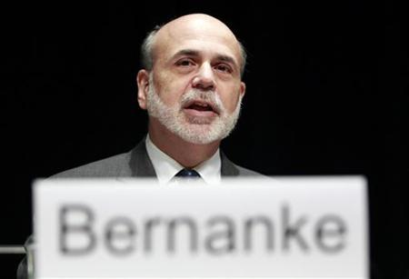 U.S. Federal Reserve Chairman Ben Bernanke talks at the Economic Club of Indiana in Indianapolis October 1, 2012. REUTERS/Brent Smith