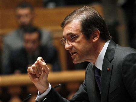 Portugal's Prime Minister Pedro Passos Coelho speaks during a debate session at the parliament in Lisbon October 12, 2012. REUTERS/Hugo Correia
