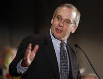 Уильям Дадли выступает на мероприятии в Нью-Йорке, 24 сентября 2012 года. Регуляторы ФРС США высказали различные взгляды на верное направление денежно-кредитной политики, наиболее резко разойдясь во мнениях об инфляционных рисках, которые стали следствием попыток центробанка поддержать рост экономики. REUTERS/Chip East