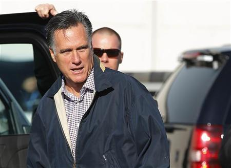 Republican presidential nominee Mitt Romney arrives in Ronkonkoma, New York October 16, 2012 for his upcoming debate with U.S. President Barack Obama. REUTERS/Brian Snyder