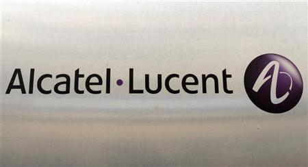 The logo of communications provider Alcatel-Lucent is seen in Paris, October 31, 2007. REUTERS/Benoit Tessier