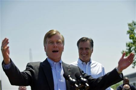 Virginia Governor Bob McDonnell speaks next to U.S. Republican presidential candidate and former Massachusetts Governor Mitt Romney during a rally at Crofton Industries in Portsmouth, Virginia May 3, 2012. REUTERS/Mark Makela