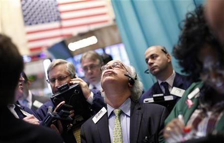 Traders work on the floor of the New York Stock Exchange, October 19, 2012. REUTERS/Brendan McDermid
