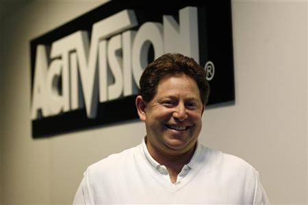 Robert Kotick, Chief Executive Officer of Activision Blizzard, Inc., poses for a portrait during the Electronic Entertainment Expo or E3 in Los Angeles June 3, 2009. The convention runs June 2-4. REUTERS/Mario Anzuoni