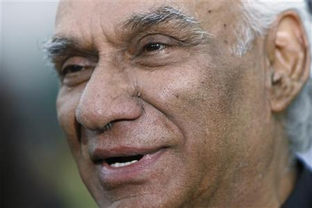 Yash Chopra arrives for the Indian International Academy Awards (IIFA) in Sheffield, northern England in this file June 9, 2007 photo. REUTERS/David Moir