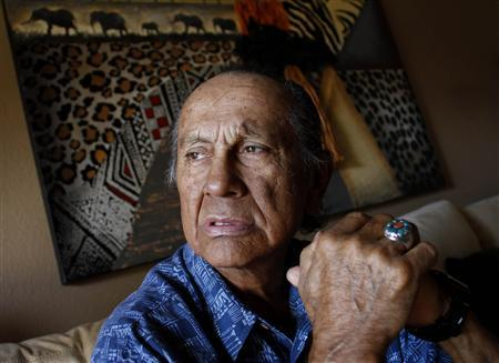 American Indian activist Russell Means poses for a portrait at his home in Scottsdale, Arizona, in this October 28, 2011 file photo. REUTERS/Joshua Lott/Files