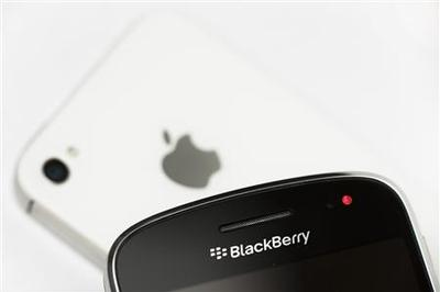 Federal agency to switch to iPhone, drop BlackBerry