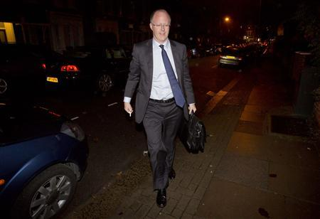 BBC director-general George Entwistle arrives at his home in London October 22, 2012. REUTERS/Neil Hall