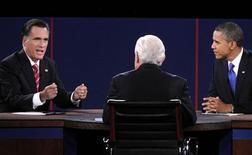 Кандидат в президенты США от республиканцев Митт Ромни высказывается на теледебатах с действующим президентом Бараком Обамой в Бока Ратон 23 октября 2012 года. Президент США Барак Обама обрушился на претендующего на его кресло Митта Ромни в третьих и последних перед президентскими выборами дебатах, посвященных внешней политике и России, в частности. REUTERS/Jason Reed