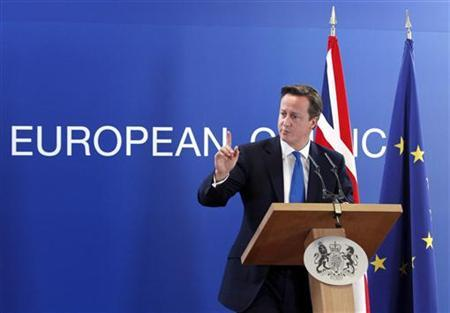 Britain's Prime Minister David Cameron holds a news conference at the end of a European Union leaders summit in Brussels October 19, 2012. REUTERS/Sebastien Pirlet