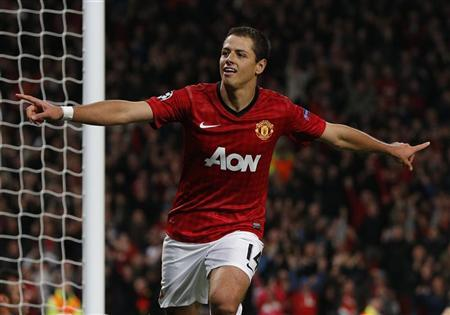 Manchester United's Javier Hernandez celebrates his second goal against Braga during their Champions League Group H soccer match at Old Trafford in Manchester, northern England, October 23, 2012. REUTERS/Phil Noble