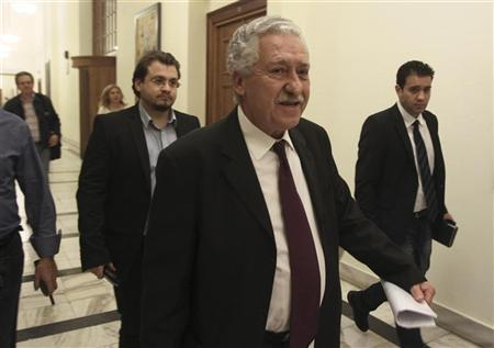 Leader of Democratic Left party Fotis Kouvelis (2nd R) arrives at the parliament for a meeting among Greek coalition party leaders in Athens October 23, 2012. REUTERS/John Kolesidis