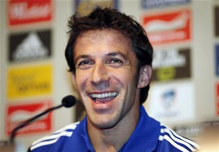 Former Juventus soccer player Alessandro Del Piero of Italy smiles during his first official Sydney FC news conference in Sydney September 17, 2012. REUTERS/Tim Wimborne